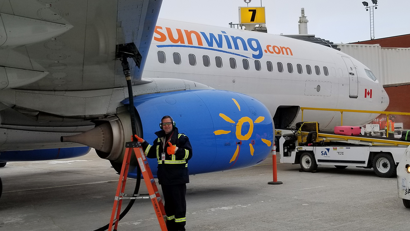 First Sunwing Refuelling at the Regina Airport